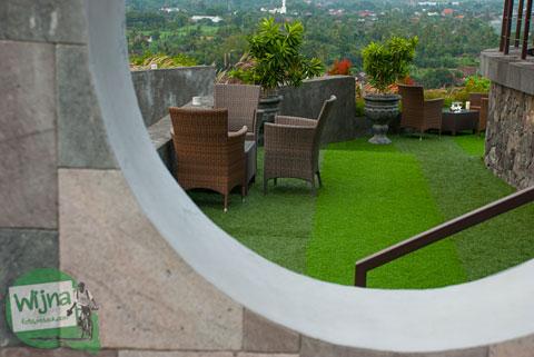 Pemandangan indah dari restoran Abhayagiri Yogyakarta