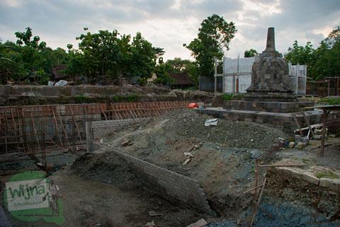 Stupa Sumberwatu yang ada di kawasan restoran Abhayagiri Sumberwatu Heritage, Prambanan, Yogyakarta