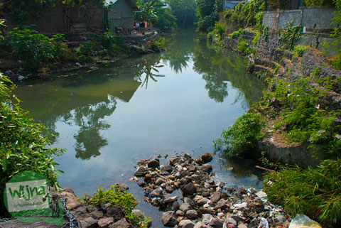 Kondisi kebersihan Sungai Gajah Wong diamati dari Taman Gajah Wong Park, Umbulharjo, Yogyakarta