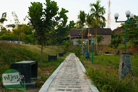 tempat lokasi pacaran sepi di Pusat Kuliner Niten Tirtonirmolo, Bantul