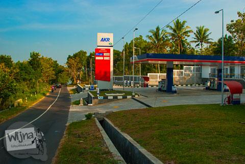 SPBU alias pom bensin di jalur alternatif Tanjakan Siluk menuju Wonosari melewati Panggang yang bermanfaat bagi para pemudik menghindari macet.