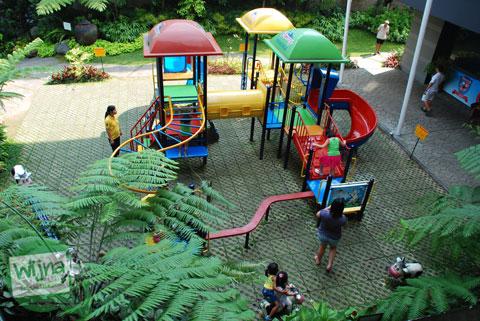 Area bermain anak di Cimory Riverside, Cisarua, Bogor