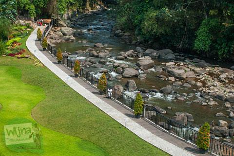 penampakan Sungai Ciliwung yang masih bersih di kawasan Cisarua, Bogor, Jawa Barat
