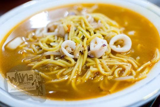 Mie Rebus Cumi-Cumi Kuliner khas Aceh di rumah makan Mie Aceh Razali, Banda Aceh