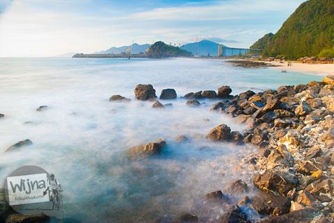 tips memotret slow speed laut dengan DSLR Nikon dan Canon di Pantai Lhoknga, Aceh setelah Bencana Tsunami