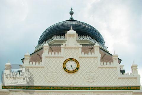 Jam di puncak Masjid Baiturrahman Aceh di zaman dulu