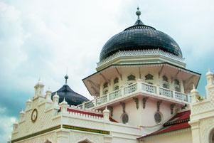 Masjid Raya Baiturrahman Aceh dalam Bingkai 35 mm