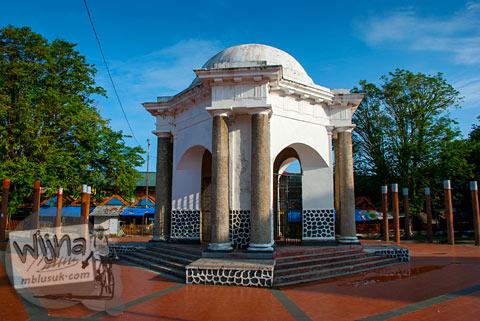 Monumen Thomas Parr di kota Bengkulu