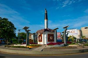 Berputar-putar Kelaparan Keliling Landmark Kota Bengkulu