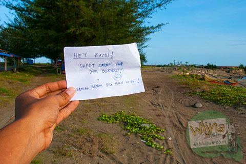 Peringatan tsunami di pantai Bengkulu