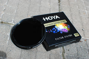 Thumbnail artikel blog berjudul Review Filter Hoya Variable Density 3-400