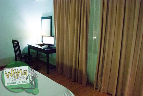 Fasilitas di dalam kamar Hotel Prasasti yang Paling Bagus se-Pacitan, Jawa Timur