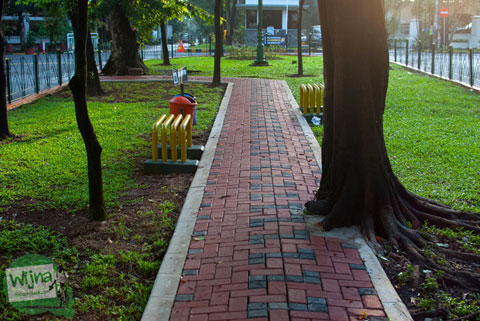 suasana pagi di taman panglima polim jakarta selatan