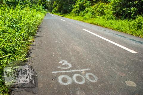 Pikiran Liar Sepanjang Jalan Aspal 4 km