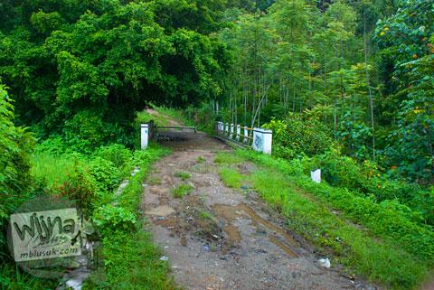 Gerbang masuk Air Terjun Pendung, Kerinci, Jambi