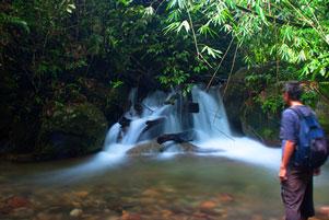 Thumbnail untuk artikel blog berjudul Hilang Arah ke Air Terjun Pendung Kerinci