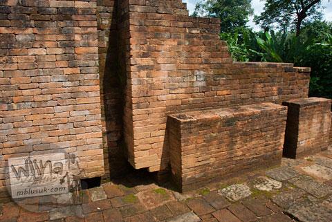 Bekas Pintu Kayu Candi Kedaton di Muaro Jambi