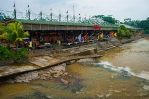 Serba Menarik di Pasar Ah Poong Sentul