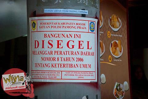 Korupsi Pejabat di Pasar Ah Poong Sentul City Bogor sehingga disegel karena melanggar garis sempadan sungai Cikeas