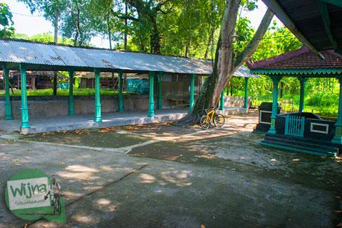 Area Parkir di Sendang Pawirto Simbar Joyo Putri di desa Jonggrangan, Klaten