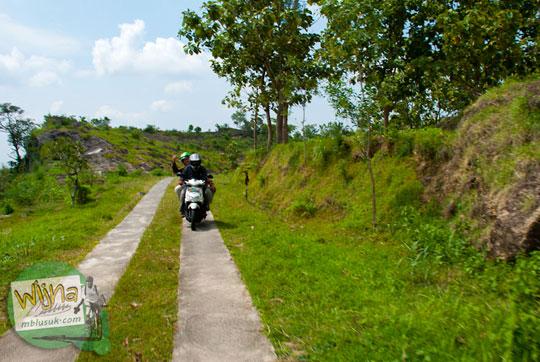 Air Terjun Banyunibo di kecamatan Semin, kabupaten Gunungkidul yang masih alami