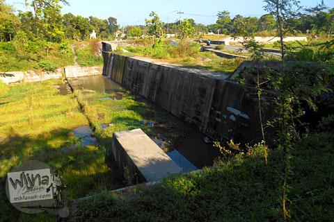 dam Kali woro di Manisrenggo, Klaten yang sepi dan bersih dari para penambang pasir
