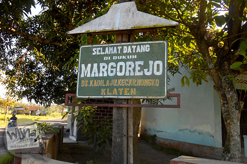 suasana dukun Margorejo di desa Kadilaju Karangnongko Klaten