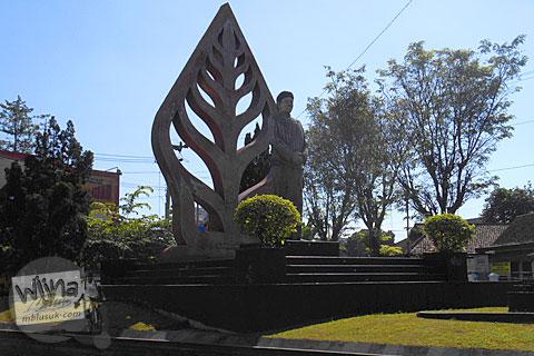 Blusukan Nggak Jelas dari Manisrenggo Sampai Kebonarum melewati tugu pemuda kota Klaten