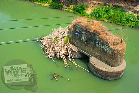 Pondasi Jembatan Bacem Sukoharjo lama tempat eksekusi anggota PKI tahun 1965
