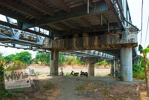 Kuburan Massal anggota PKI di dekat Jembatan Bacem Sukoharjo