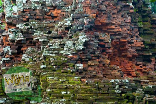 Jenis struktur batu bata penyusun bangunan induk Candi Lor Nganjuk di tahun 2015
