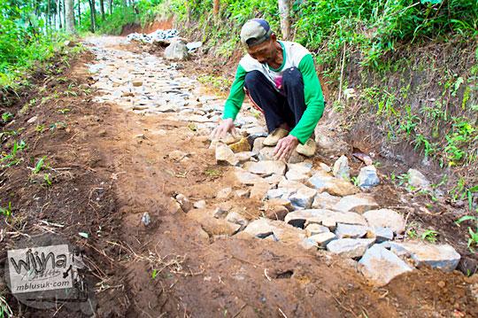 besar dana proyek perbaikan akses jalan setapak menuju Air Terjun Singokromo, Sawahan, Nganjuk pada tahun 2015