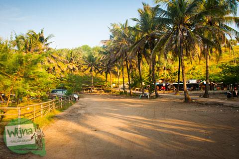 Parkir Kendaraan Pantai Klayar Pacitan tahun 2015