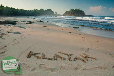 Selamat Datang di Pantai Klayar Pacitan tahun 2015 yang berpasir Putih
