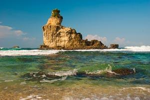 gambar/2015/jawa-timur/pantai-buyutan-pacitan_tb.jpg?t=20190821135746913
