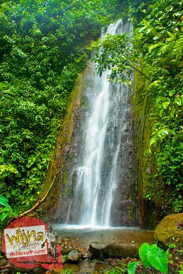 cerita mistis ada cewek yang meninggal terjun dari Air Terjun Kembar Lamuran di Tanggamus, Kotaagung, Lampung pada Maret 2015