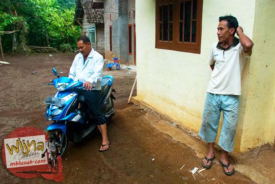Keramah-tamahan warga dusun Lamuran Pekon teratas yang tinggal di sekitar Air Terjun Kembar Lamuran di Tanggamus, Kotaagung, Lampung pada Maret 2015