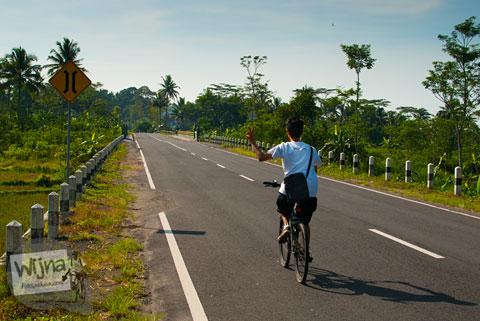 Kawan bersepeda menuju Peristirahatan Sendang Srodokan Cangkringan