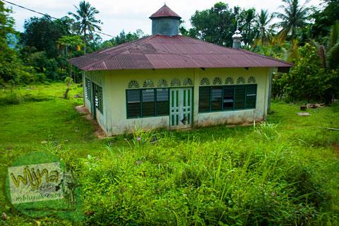 mushalla dekat air terjun Lubuak Tampuruang sekitar kecamatan Kuranji, Padang, Sumatera Barat