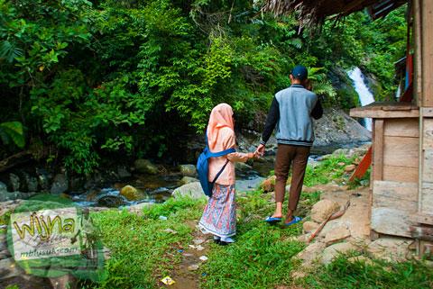 tempat pacaran di air terjun Lubuak Tampuruang sekitar kecamatan Kuranji, Padang, Sumatera Barat