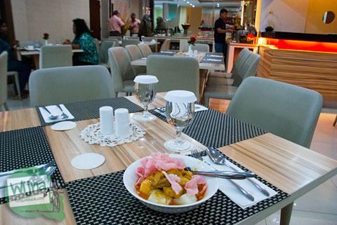 Menu sarapan dan harga menu restoran di Sofyan Inn Rangkayo Basa, Padang