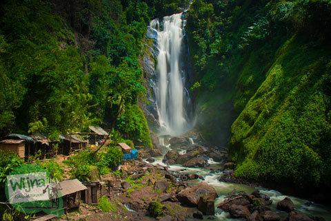 Pemandangan indah Air Terjun Bedegung (Curup Tenang) di Sumatra Selatan