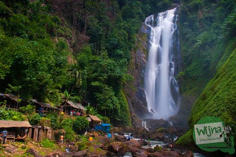 Penampakan Air Terjun Bedegung (Curup Tenang) di Sumatra Selatan yang paling besar di Sumatra