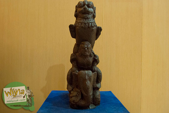Arca Hindu Tanpa Busana Koleksi Museum Sriwijaya Palembang