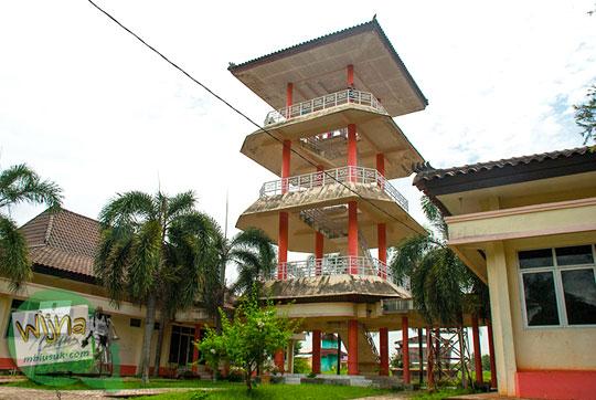 Menara Pandang yang ada di kawasan Taman Purbakala Kerajaan Sriwijaya Palembang