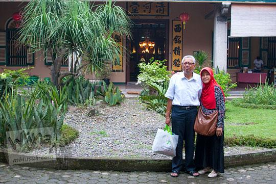 Cerita wisata sejarah bersama keluarga dari Jawa di Rumah Tjong A Fie, Medan pada September 2014