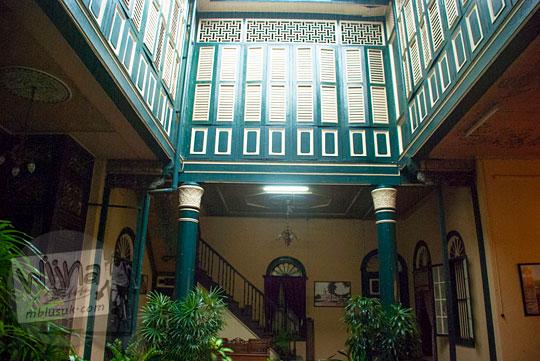 kusen jendela bergaya melayu di Rumah Tjong A Fie, Medan pada September 2014
