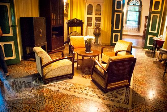 Ruang tamu untuk menerima tamu kesultanan Melayu di Rumah Tjong A Fie, Medan pada September 2014