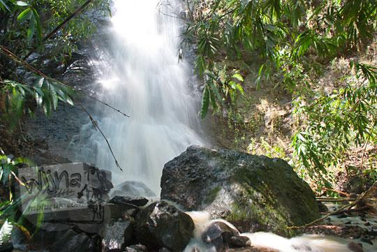 air terjun tersembunyi di dusun Ngliseng, Muntuk, Dlingo, Bantul