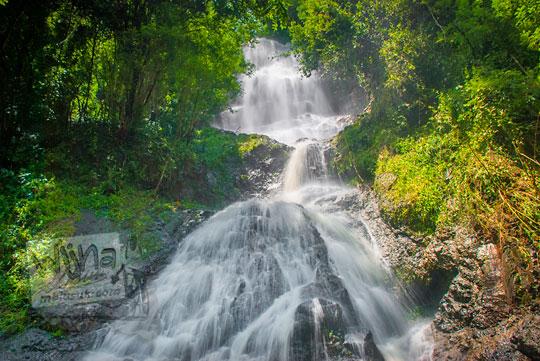 keindahan Air Terjun Curug Banyunibo Ngliseng di desa Muntuk, Dlingo, Bantul